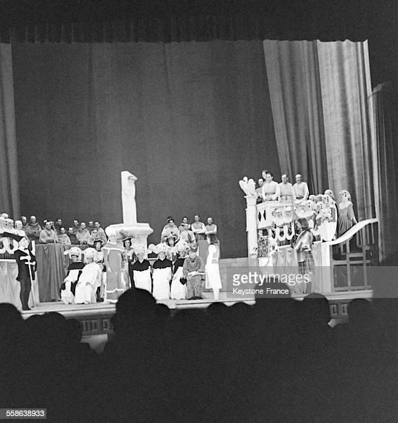 Représentation de l'opéra de Paul Claudel et Arthur Honneger 'Jeanne d'Arc au Bûcher' circa 1940