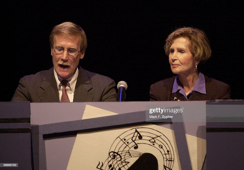 Reps. Scott McInnis (R-CO) and Constance A. Morella (R-MD) performing a 'Newsbreak' during Hegagon's 2002 Congress Night, on Wednesday.