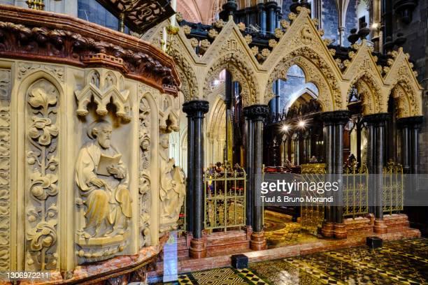 republic of ireland, dublin, christ church cathedral - dublin republic of ireland stock pictures, royalty-free photos & images