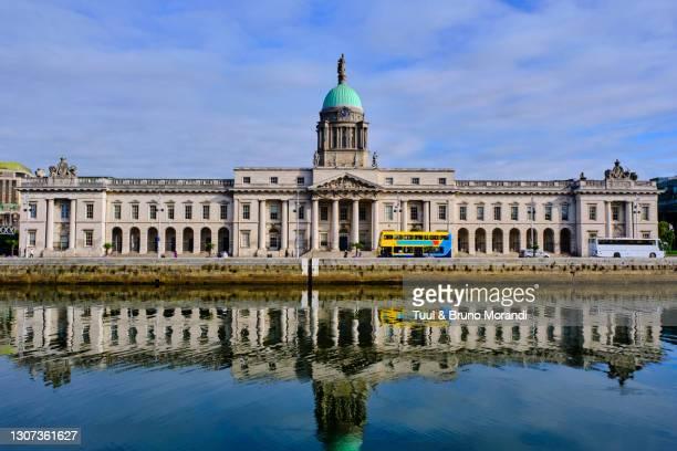 republic of ireland; dublin, the custom house - dublin republic of ireland stock pictures, royalty-free photos & images