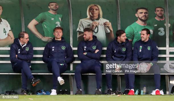 Republic of Ireland manager Martin O'Neill Jeff Hendrick Daryl Murphy Stephen Ward and John O'Shea on the bench during a training session at the FAI...