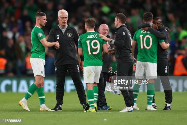 Republic of Ireland Manager Mick McCarthy congratulates his players after the UEFA Euro 2020 qualifier between Republic of Ireland and Switzerland at...