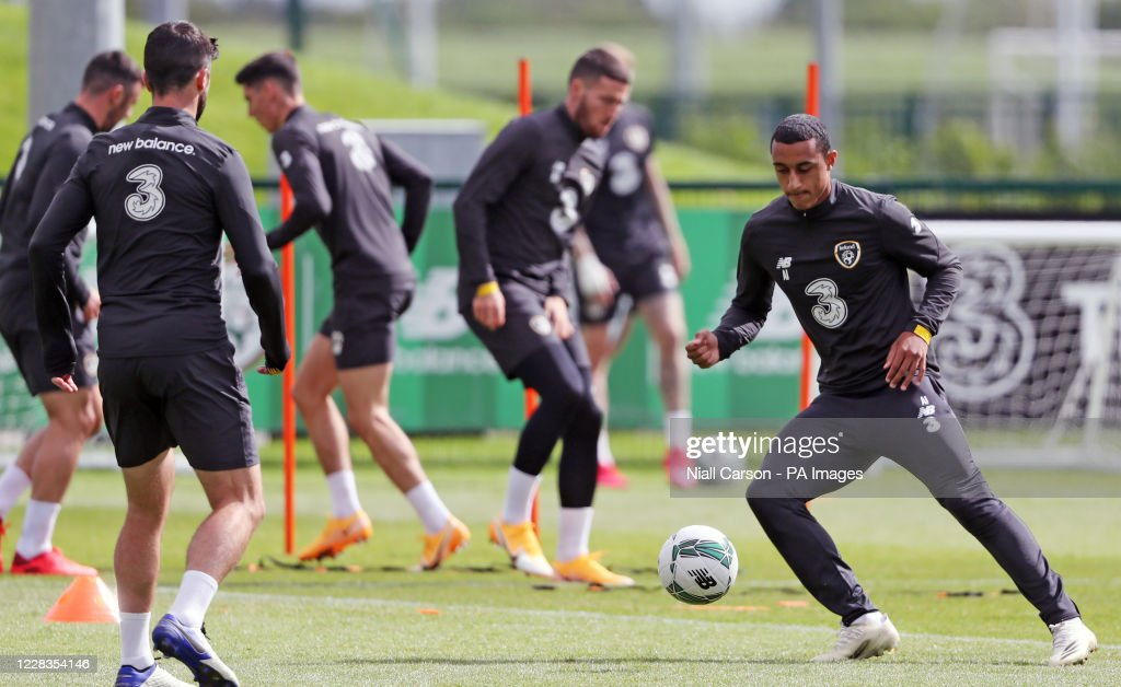 Republic of Ireland Press Conference and Training Session - FAI National Training Centre : News Photo