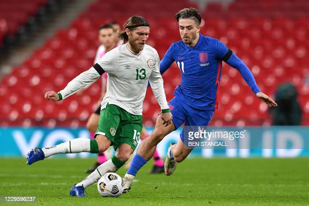 Republic of Ireland's midfielder Jeff Hendrick runs with the ball during the international friendly football match between England and Republic of...