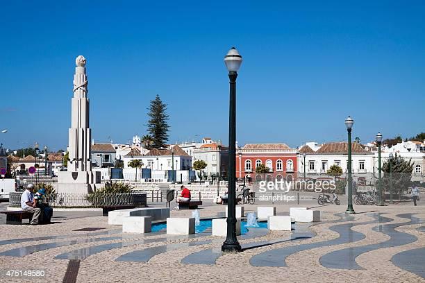 república quadrado em tavira algarve, portugal - tavira imagens e fotografias de stock