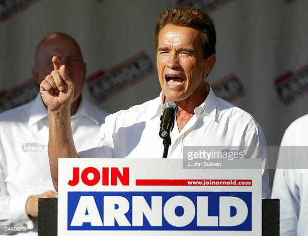 Republican candidate for governor actor Arnold Schwarzeneger speaks at a shopping center rally August 28 2003 in Fresno California Schwarzenegger who...