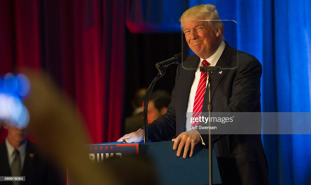 Republican Presidential Nominee Donald Trump Campaigns In Youngstown, Ohio : News Photo