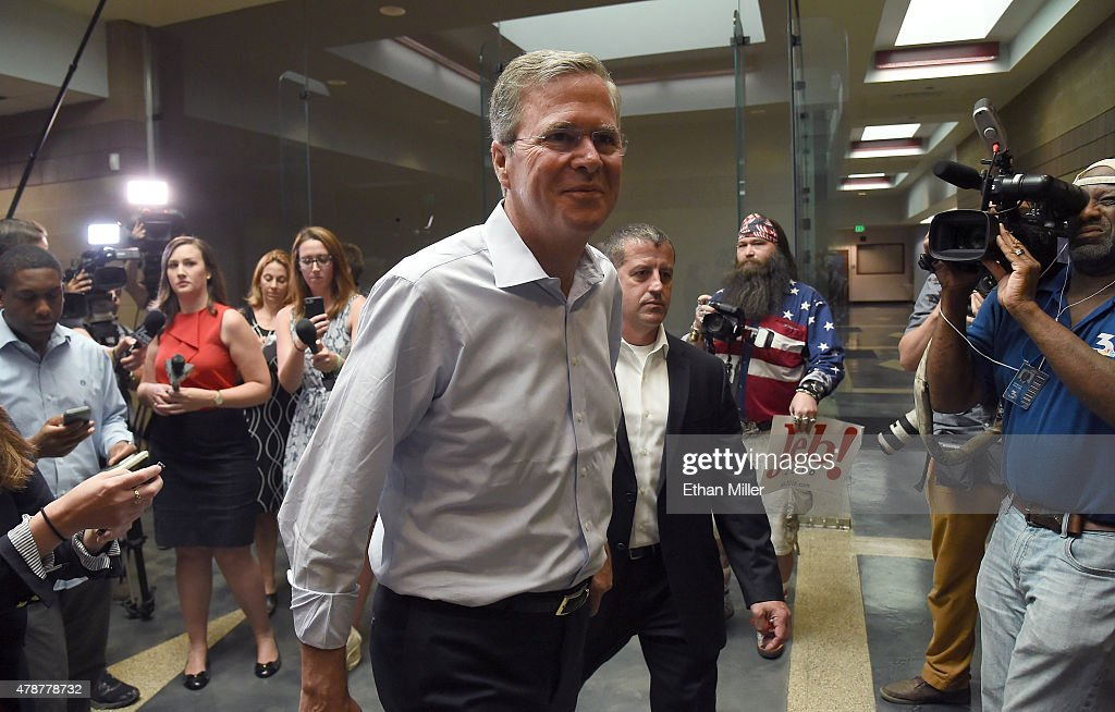 Republican Presidential Candidate Jeb Bush Holds Town Hall Meeting In Nevada