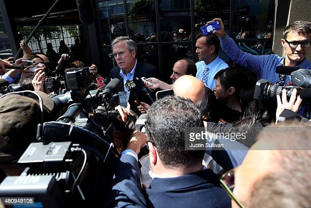 Republican presidential candidate and former Florida governor Jeb Bush speaks to reporters after visiting Thumbtack on July 16 2015 in San Francisco...