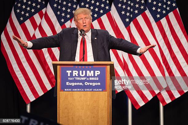 US Republican presidential candidate Donald Trump addresses the audience in Eugene Oregon on May 6 2016 / AFP / Rob Kerr