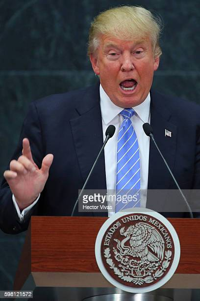 Republican presidential candidate Donald Trump gives a speech after meeting President of Mexico Enrique Peña Nieto at Los Pinos on August 31 2016 in...