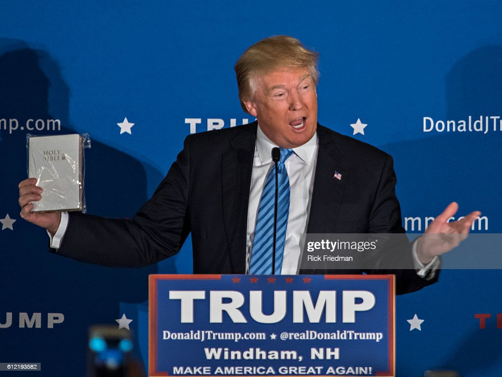 Donald Trump campaigning in NH : News Photo