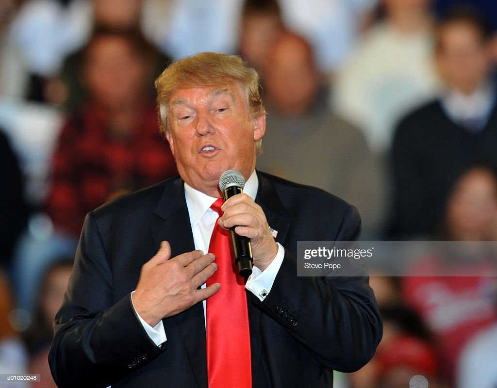 Republican Presidential Candidate Donald Trump speaks at a town hall style campaign rally at the Varied Industries Building at Iowa State Fair Grounds on December 11, 2015 in Des Moines, Iowa. Recent polls continue to show Trump holding a lead in the race for the Republican nomination for President. (Photo by Steve Pope/Getty Images