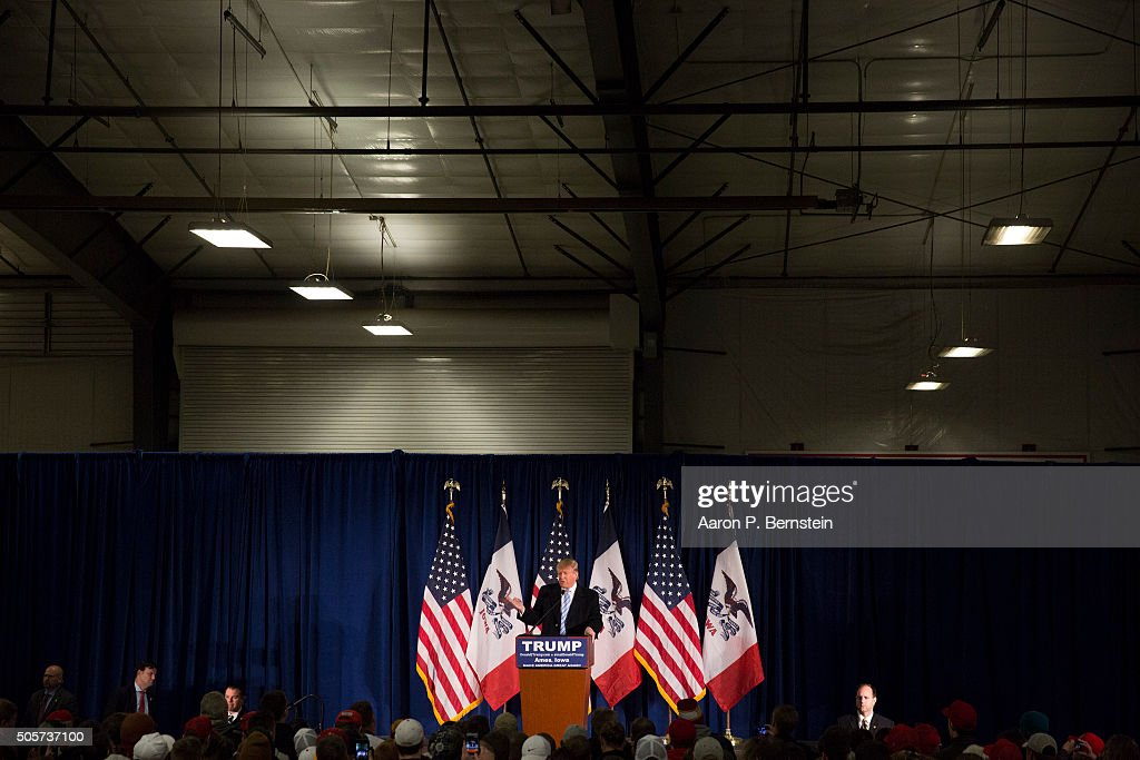 Republican presidential candidate Donald Trump speaks at Hansen Agriculture Student Learning Center at Iowa State University on January 19, 2016 in Ames, IA. Trump received the endorsement of former Alaska Gov. Sarah Palin at the event.