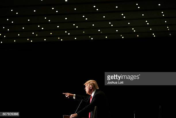 Republican presidential candidate Donald Trump speaks during a campaign event at the US Cellular Convention Center February 1 2016 in Cedar Rapids...