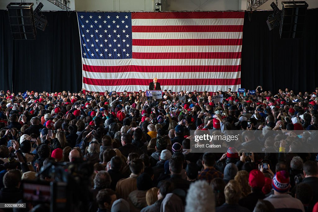 Donald Trump Holds Campaign Rally In Rochester, NY : ニュース写真