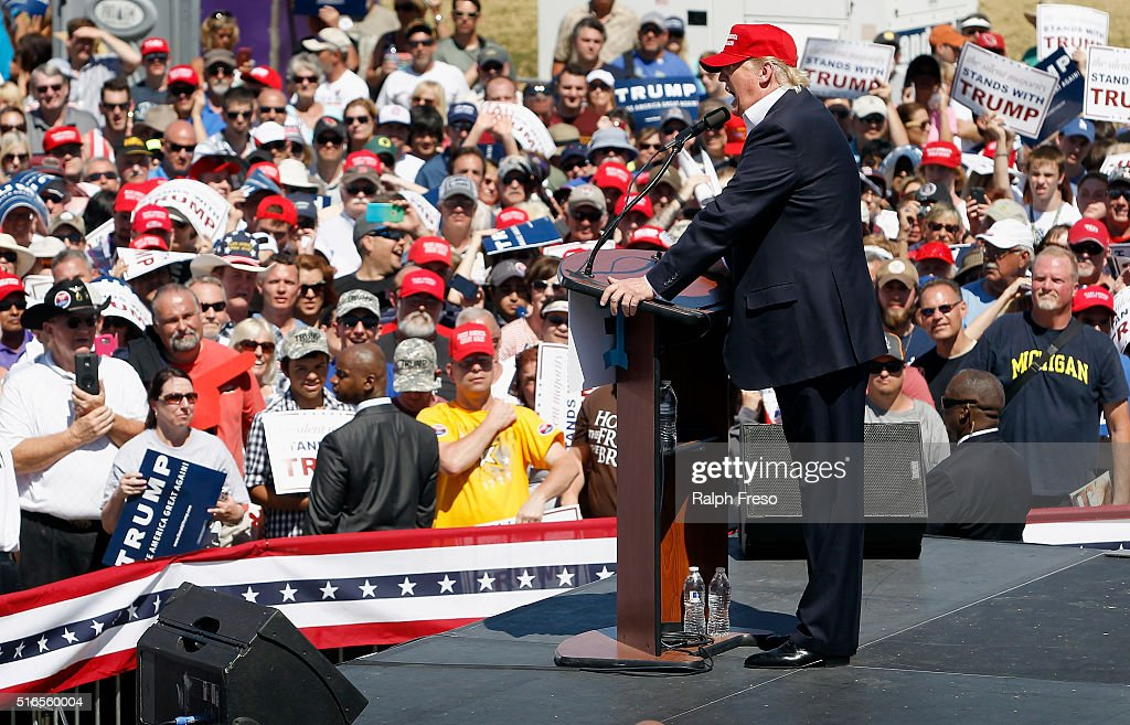Republican presidential candidate Donald Trump speaks to guest gathered at Fountain Park during a campaign rally on March 19, 2016 in Fountain Hills, Arizona. Trump visits Arizona for the second time in three months as he looks to gain the GOP nomination for President.