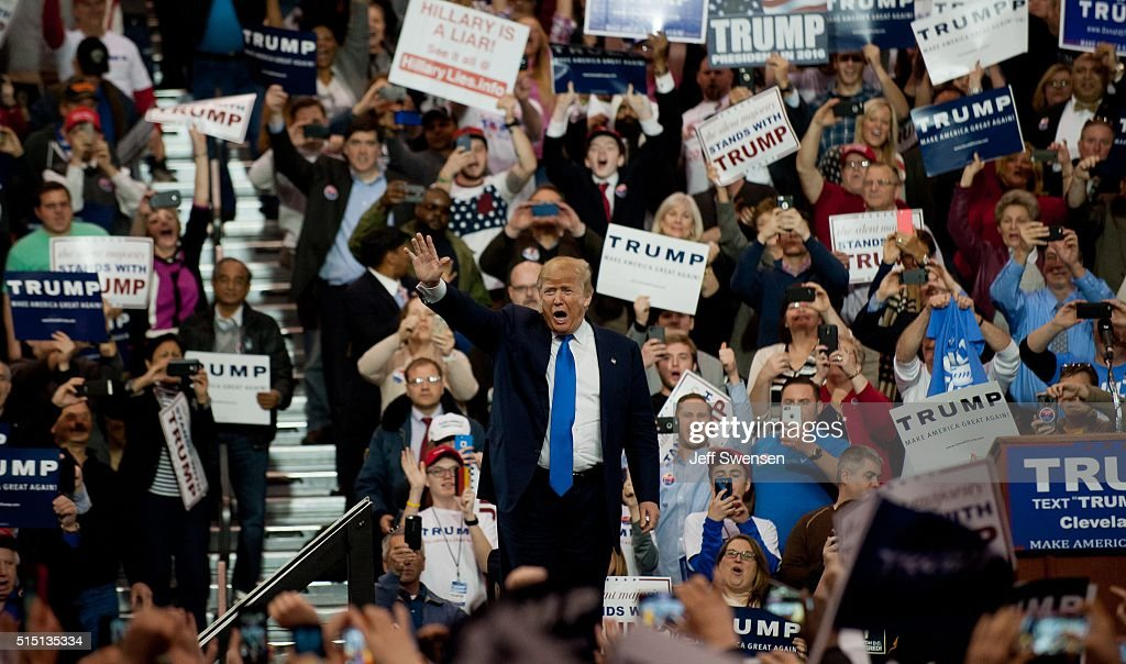 Donald trump speaks to voters in Cleveland Ohio. : News Photo
