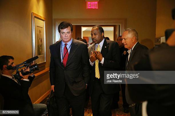 Republican presidential candidate Donald Trump's political strategist Paul Manafort speaks with former Republican presidential candidate Ben Carson...