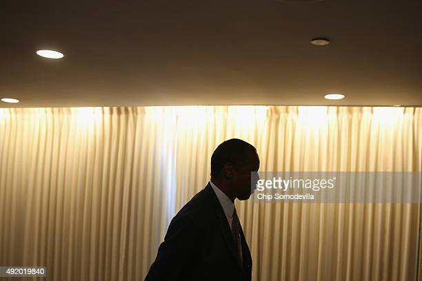 Republican presidential candidate Dr. Ben Carson arrives at the National Press Club before addressing its Newsmakers Luncheon October 9, 2015 in...