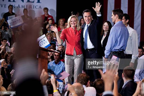 Republican presidential candidate former Massachusetts Gov Mitt Romney celebrates with his wife Ann Romney and family at his Florida primary night...