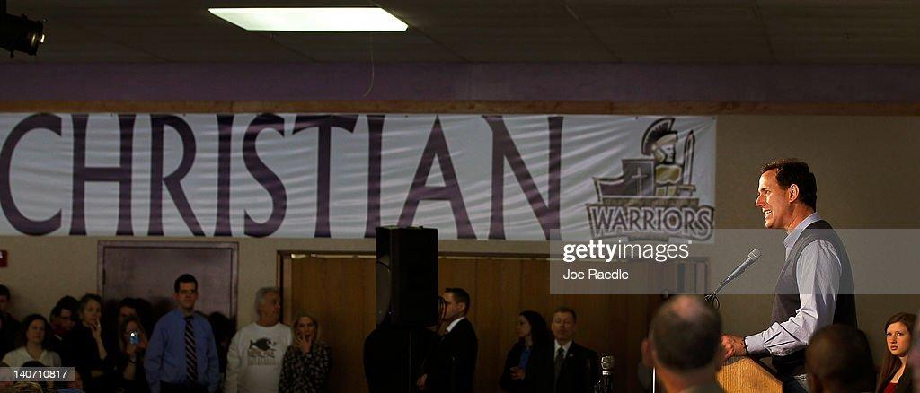 Santorum Campaigns In Ohio Ahead Of Super Tuesday Contests