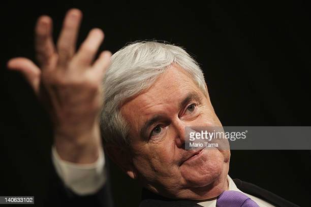 Republican presidential candidate former US Speaker of the House Newt Gingrich speaks at the LincolnReagan Day Dinner at Bowling Green State...