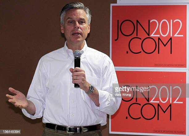 Republican presidential candidate former Utah Gov Jon Huntsman speaks to employees during a campaign stop at Goss International January 5 2012 in...