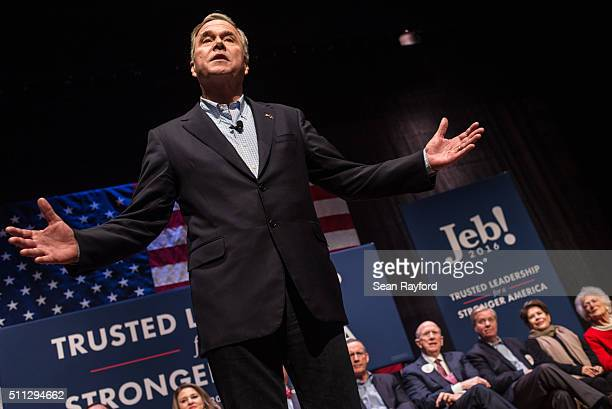 Republican presidential candidate Jeb Bush addresses the crowd at a campaign rally February 19 2016 in Greenville South Carolina The South Carolina...