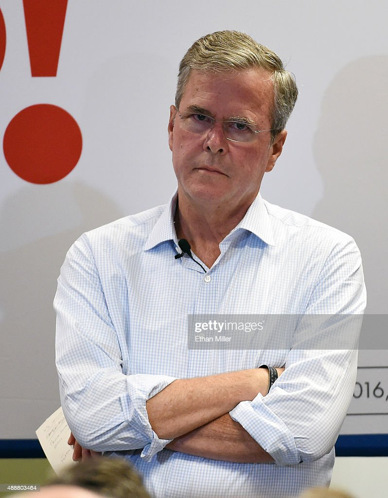 GOP Presidential Candidate Jeb Bush Campaigns In Las Vegas : News Photo