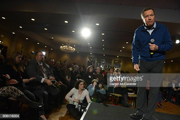 Republican presidential candidate John Kasich speaks at the NHGOP First In The Nation Town Hall January 23 2016 in Nashua New Hampshire The...