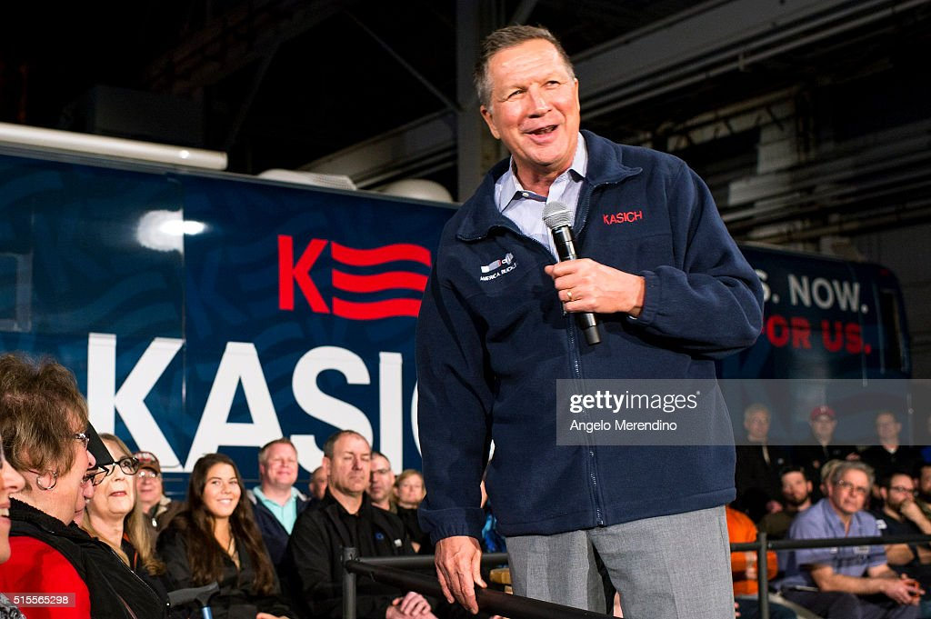 John Kasich Campaigns In Ohio One Day Before Primary : News Photo