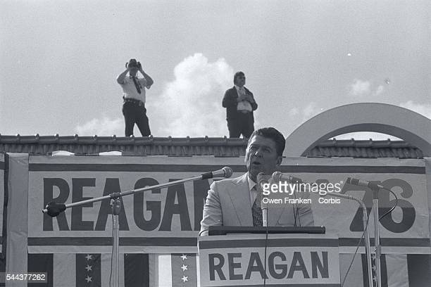 Republican presidential candidate Ronald Reagan makes a speech at an outdoor rally during his campaign for the 1976 Florida presidential primary...