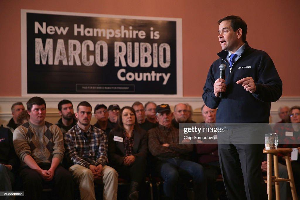 Republican Presidential Candidate Sen. Marco Rubio (R-FL) Campaigns In New Hampshire : Nachrichtenfoto