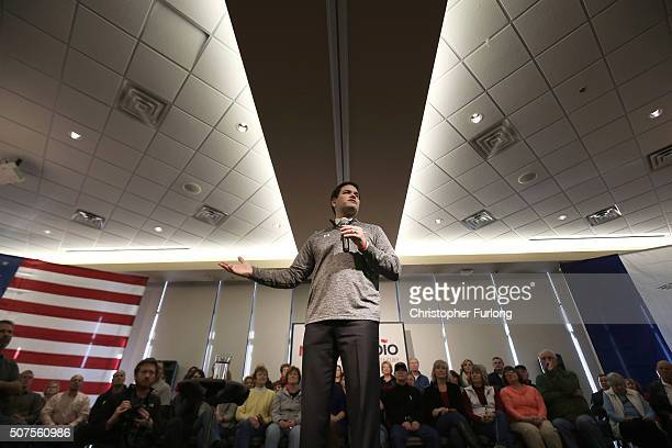 Republican presidential candidate Sen Marco Rubio speaks to guests and supporters during a campaign stop at Bev's On The River Restaurant on January...