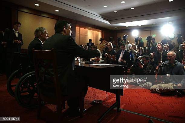 Republican presidential candidate Sen Ted Cruz and Texas Governor Greg Abbott participate in a news conference December 8 2015 on Capitol Hill in...