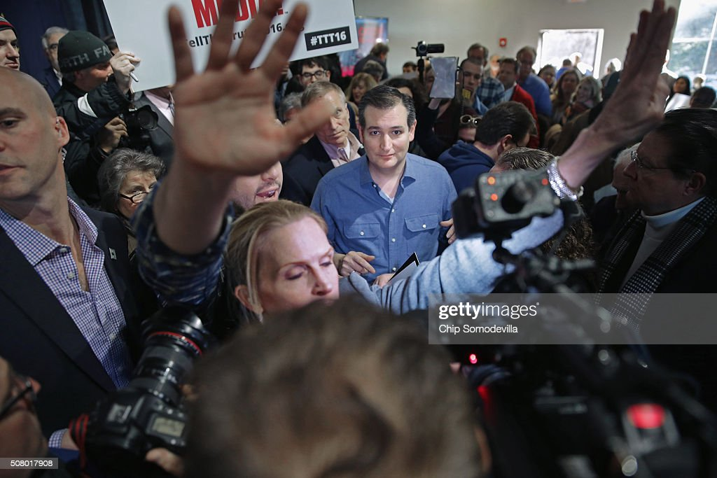 Ted Cruz Holds Town Hall In NH After Winning Iowa Caucuses