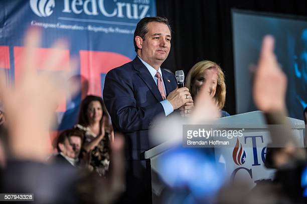 Republican presidential candidate Sen Ted Cruz speaks at a caucus night rally on February 1 2016 in Des Moines Iowa Cruz beat out frontrunner Donald...