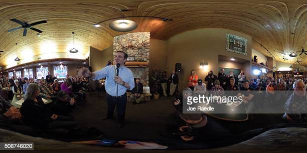 Republican presidential candidate Sen Ted Cruz speaks during a campaign event at the Fireside Pub and Steakhouse on January 25 2016 in Manchester...
