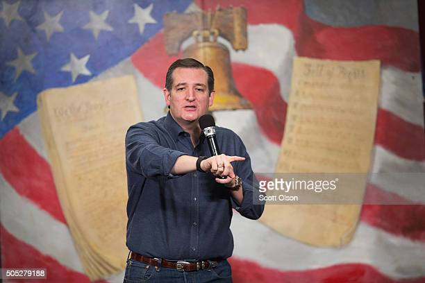 Republican presidential candidate Sen Ted Cruz speaks to guests at the 2016 South Carolina Tea Party Coalition Convention on January 16 2016 in...