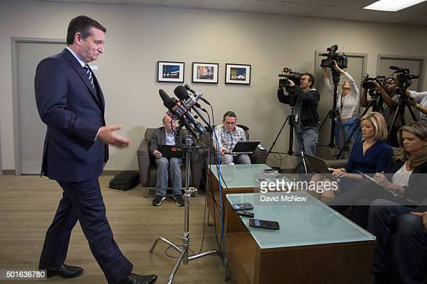 Republican presidential candidate Ted Cruz approaches reporters upon landing at LAX on December 16 2015 in Los Angeles California Cruz is visiting...