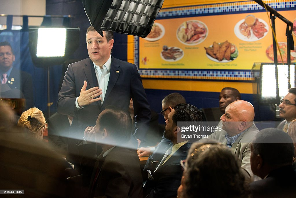 Ted Cruz Campaigns In New York City : News Photo