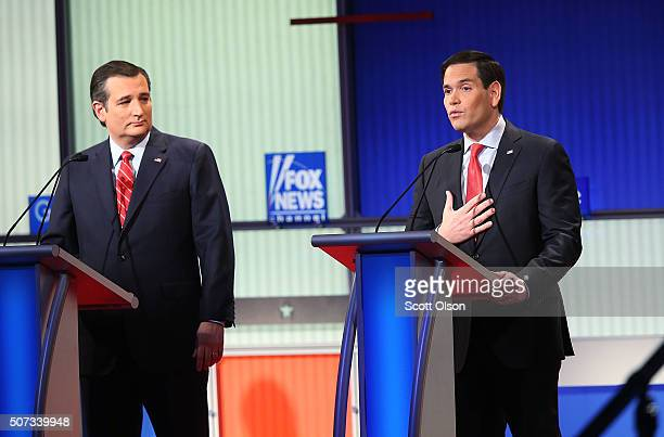Republican presidential candidates Sen Marco Rubio and Sen Ted Cruz participate in the Fox News Google GOP Debate January 28 2016 at the Iowa Events...