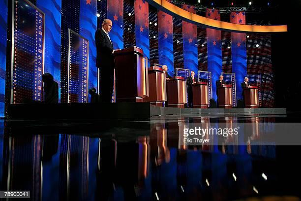 Republican presidential hopefuls former US Sen Fred Thompson former Massachusetts Gov Mitt Romney Sen John McCain former Arkansas Gov Mike Huckabee...