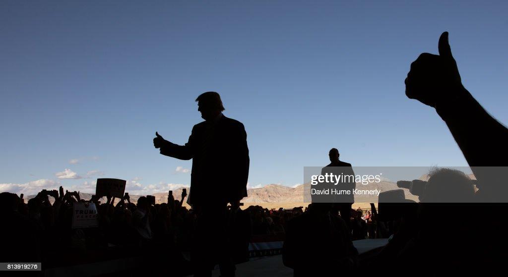 Trump Campaigns In Hangar : News Photo