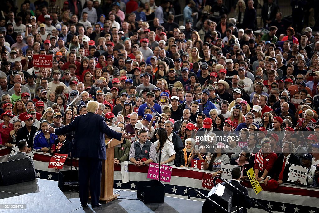 Donald Trump Campaigns In Key States During Weekend Ahead Of General Presidential Election : News Photo