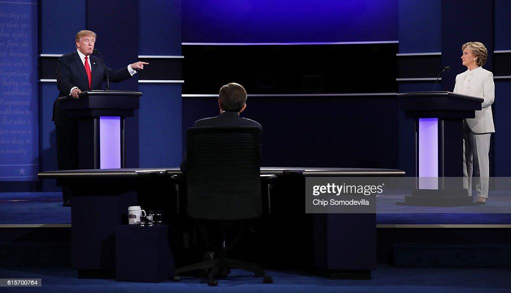 Final Presidential Debate Between Hillary Clinton And Donald Trump Held In Las Vegas : Nyhetsfoto