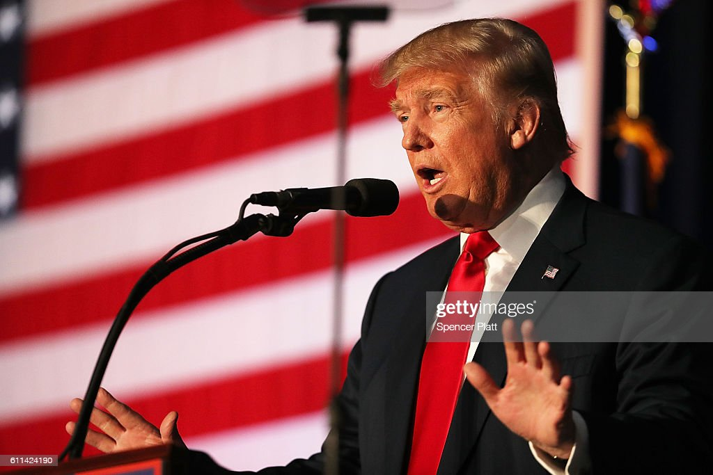 Donald Trump Holds Campaign Rally In New Hampshire : News Photo