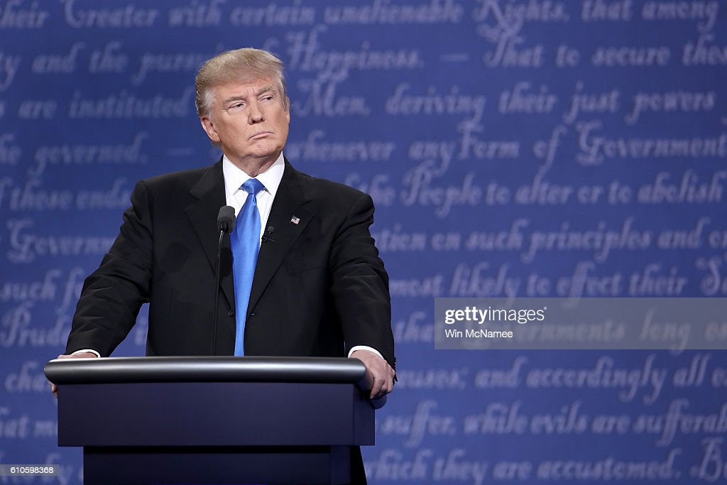 Hillary Clinton And Donald Trump Face Off In First Presidential Debate At Hofstra University : News Photo