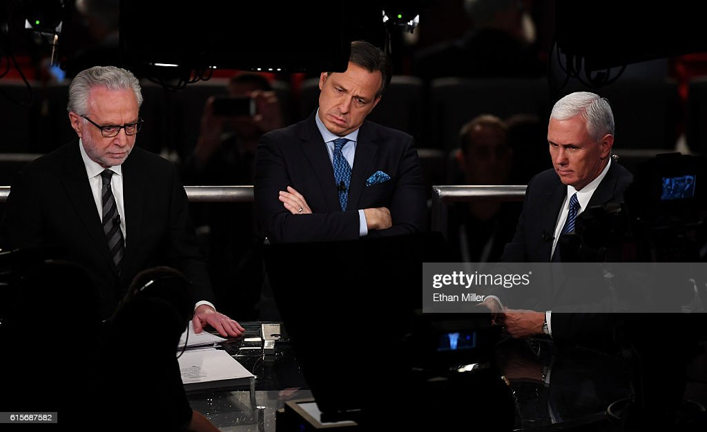 Final Presidential Debate Between Hillary Clinton And Donald Trump Held In Las Vegas : News Photo